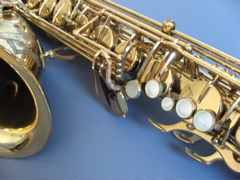 Picture of a tenor saxophone